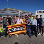 Els secretaris generals de CCOO amb les  candidates i candidats d'Amazon